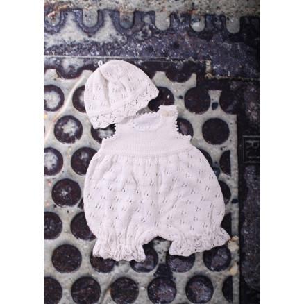 Mayflower Babydragt med hue i hulmønster - Baby Sommersæt Strikkeopskr